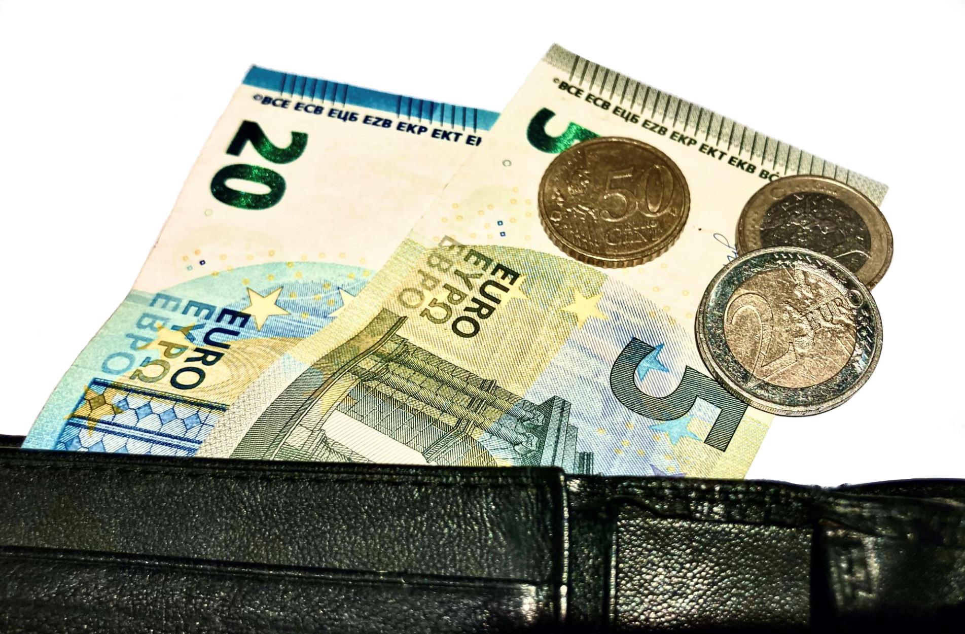 Verfahrenskosten korrigierter Bußgeldbescheide übernimmt der Staat